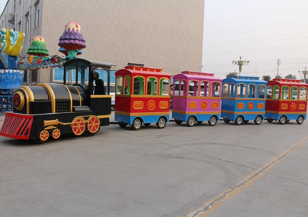 Shopping mall trackless train