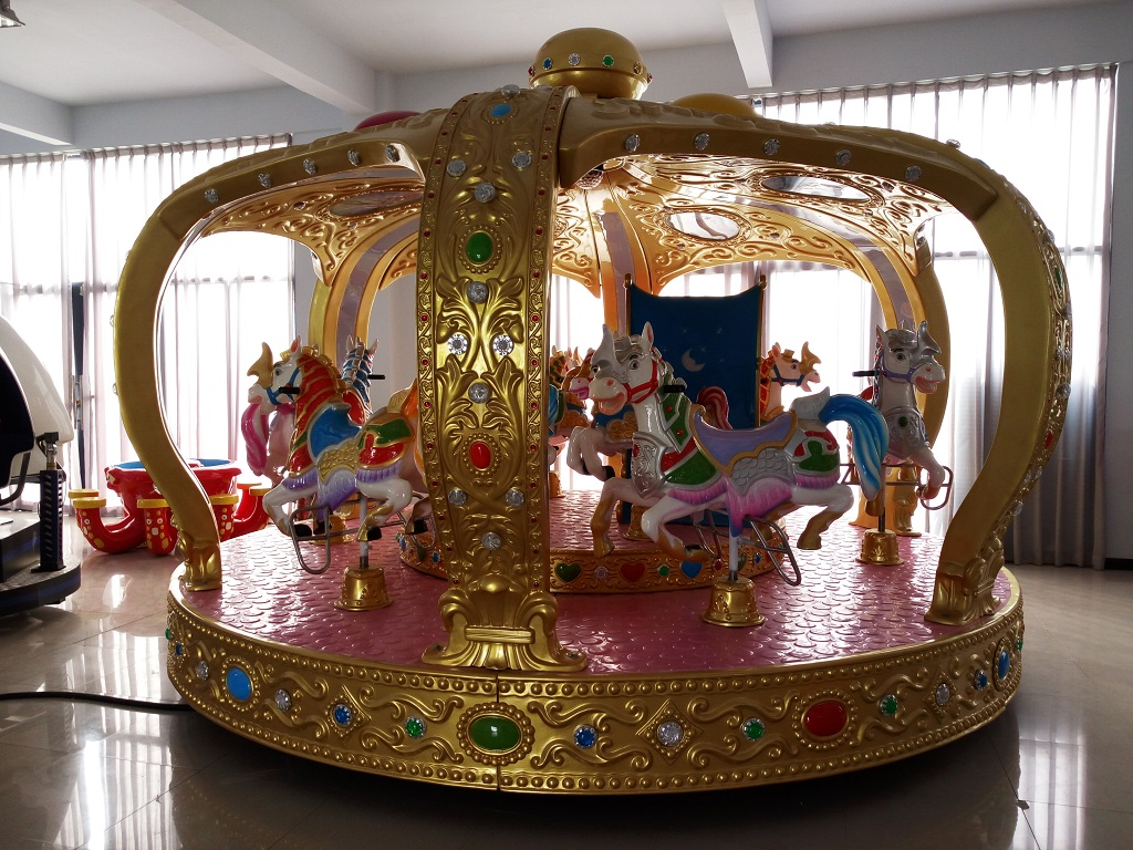 Luxury crown carousel