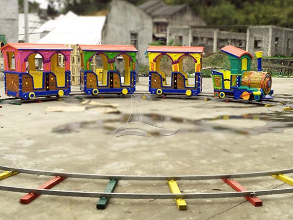 Cheap track train rides