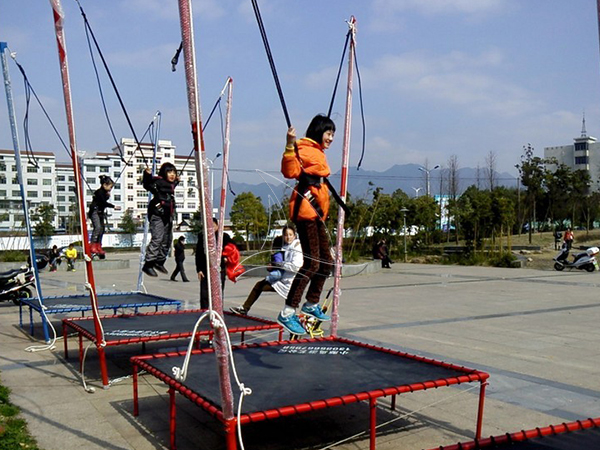 Single Person Bungee Trampoline