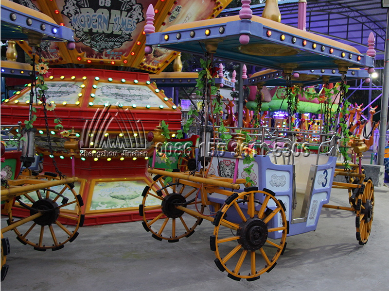 Revolving Carriage Rides (1)