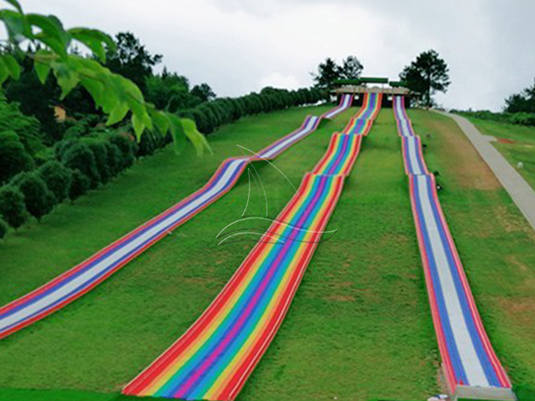 Bumping Rainbow Dry Snow Slope Slide