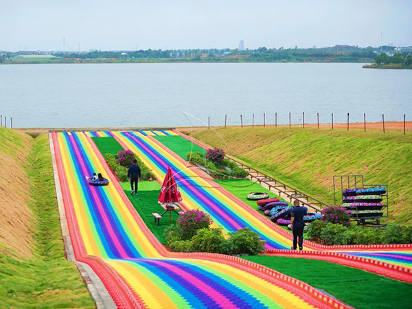Straight Rainbow Dry Snow Slope Slide